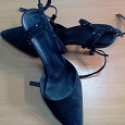 Отдается в дар женская обувь 35-36 размера