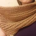 Отдается в дар осенний шарф-хомут или шарф-снуд крупной вязки женский