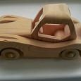 Отдается в дар Деревянная модель машинки