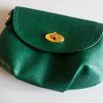 Отдается в дар Сумочка-кошелек на ремешке, маленькая.