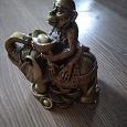Отдается в дар Фигурка обезьяна на слоне