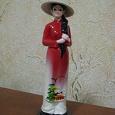Отдается в дар Сувенир из Вьетнама. Девушка в национальной одежде