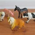 Отдается в дар фигурки домашних животных