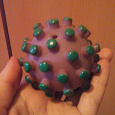 Отдается в дар тихо пищащий мячик мяч для не мелкой собаки