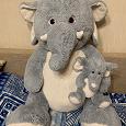 Отдается в дар Огромный слон со слоненком