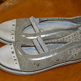 Отдается в дар Спортивные туфли 34 размер