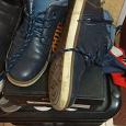 Отдается в дар Осенние ботинки для мальчика 38 и 39 размера.