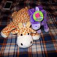 Отдается в дар мягкие игрушки жираф фирмы gulliver и лошадка карусель с биркой