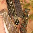 Отдается в дар галстуки новые