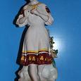 Отдается в дар Фарфоровая статуэтка СССР «Гадание на ромашке»