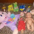 Отдается в дар Игрушки: дельфин, браслет-погремушка и куклы