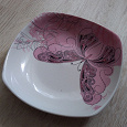 Отдается в дар тарелка на кухню бу розовая с рисунком