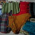 Отдается в дар Платки шарфики теплые легкие разного цвета и размера)