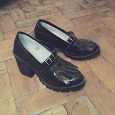 Отдается в дар Новые закрытые туфли на толстой подошве 38 р. befree