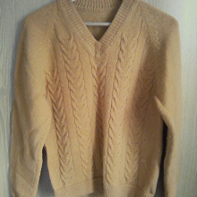 Отдается в дар Пуловер р40 шерсть бу.