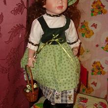 Отдается в дар большая фарфоровая кукла