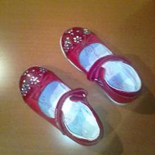 Отдается в дар сандалики-туфельки для девочки