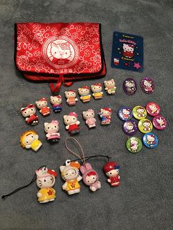 Отдается в дар «Коллекция фигурок Hello Kitty»