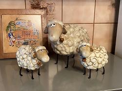 Отдается в дар «Статуэтки овечки»