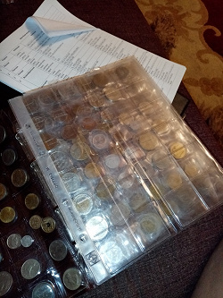 Отдается в дар «Лист для монет Б/у»