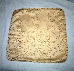 Отдается в дар «Чехол (наволочка) двусторонний на декоративную подушку размером 46*46 см.»