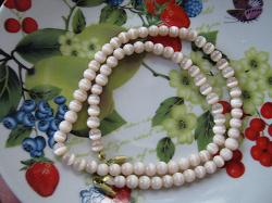 Отдается в дар «Ожерелье из кошачьего глаза.»