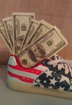 Отдается в дар «деньги ненастоящие»
