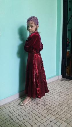 Отдается в дар «Бордовое платье»