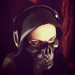 Отдается в дар «Страшная маска»
