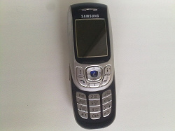 Отдается в дар «Samsung SGH-E820»