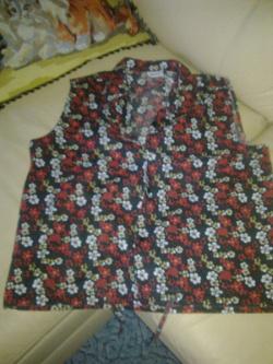 Отдается в дар «платье и блузка 46 размер»