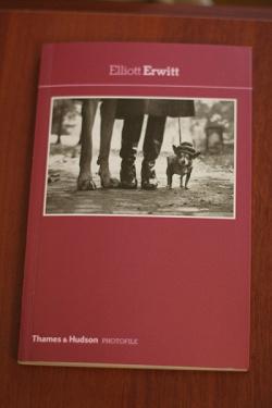 Отдается в дар «Книга с ч.б. фото!»