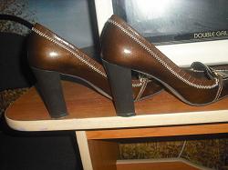 Отдается в дар «Туфли на высоком каблуке»