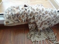 Отдается в дар «Шапка+шарф»
