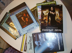 Отдается в дар «dvd-диски, фильма + коробки для дисков»