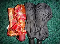 Отдается в дар «Зонты новые, но сломанные(»