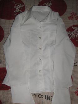 Отдается в дар «3 блузки»