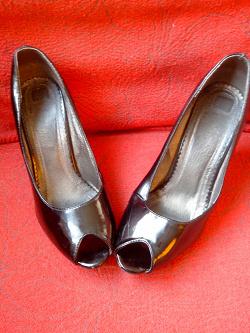 Отдается в дар «туфли Jenifer»