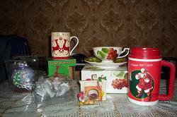 Отдается в дар «Подарочные наборы для кухни, кружка, чашка, блюдце, солонка, перечница»