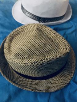 Отдается в дар «Шляпы»