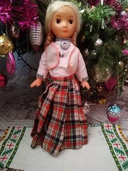 Отдается в дар «Кукла из СССР 80-х гг. в литовском национальном костюме»