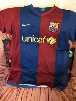 Отдается в дар «Футболка Рональдиньо (FCB #10)»
