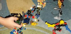 Отдается в дар «Конструктор Лего «человечки»»
