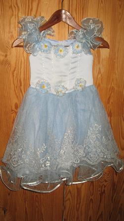 Отдается в дар «Нарядное платье для девочки»