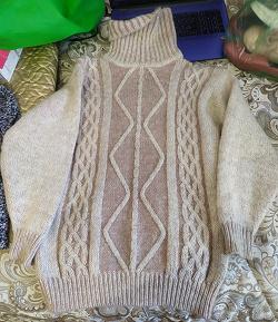 Отдается в дар «Тёплый свитер р46-50»