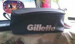 Отдается в дар «Косметичка черная Gillette»