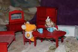 Отдается в дар «Мебель для кукольного домика деревянная масштаб 1:12»