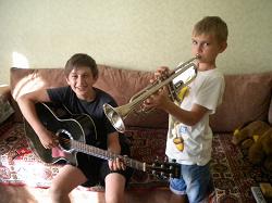 Отдается в дар «Гитара акустическая»