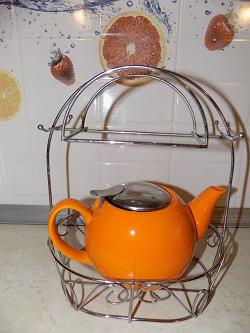 Отдается в дар «Чайник с подставкой»