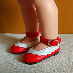 Отдается в дар «кукольные туфли»